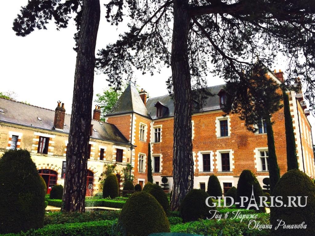 Замок Кло-Люсе во Франции